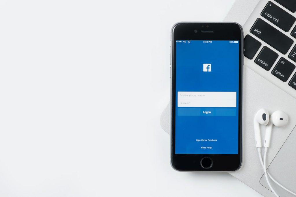 Facebook and an Apple iOS device